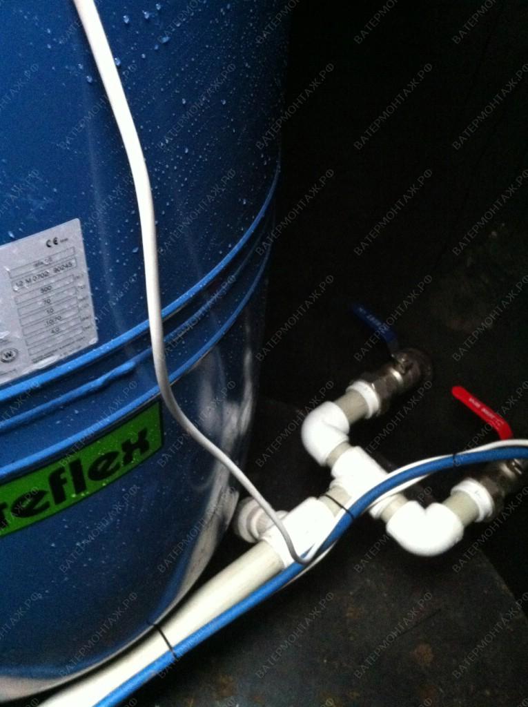 Врезки выходов водопроводных труб с кессона